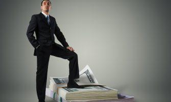 Para ve Saygınlık – Hangisi Üstün Hangisi İtibarlı?